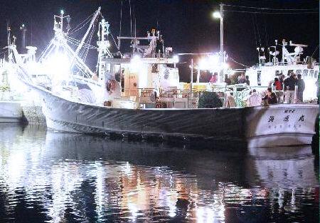 松葉ガニ漁へ出港